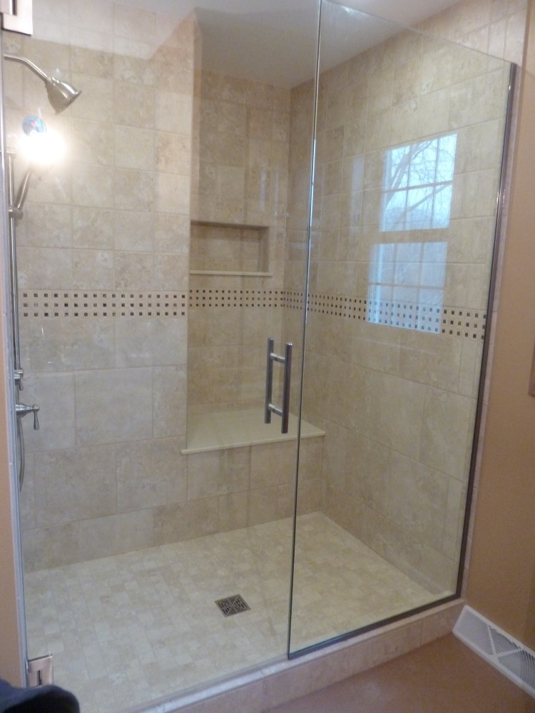 stinsonbeachframelesssatinetchshower installation stair photos well and etch toilet enclosure glass satin shower